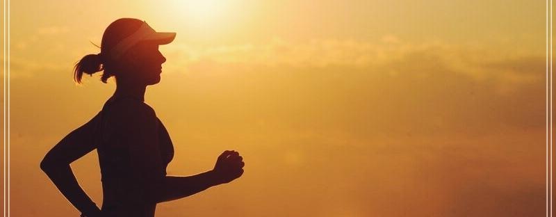 Power-walking-es-caminar-rápido-hacer-ejercicio